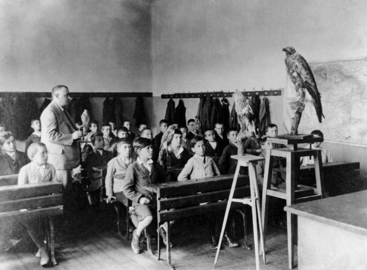 Polgári fiúiskola természetrajz órája, Battonya (1930 körül)