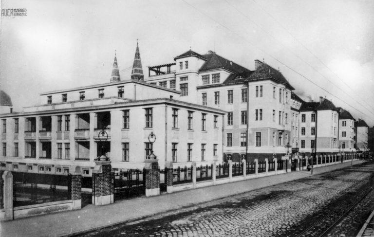 A Tisza-parti klinikasor (Szemészeti, Belgyógyászati, Bőrgyógyászati Klinikák) Az újonnan elkészült, modern építészeti jegyeket magukon viselő klinikák külső és belső felvételei 1930 körül (2)
